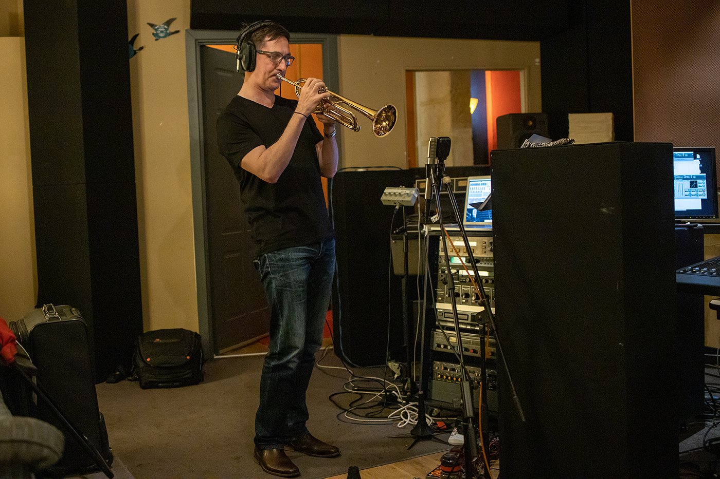 Adrian Kelly, recording 'Cry, Wolf!' by Adrian Kelly at Crank Recording, Perth, WA; August 2020. Photo by Nik Babic.