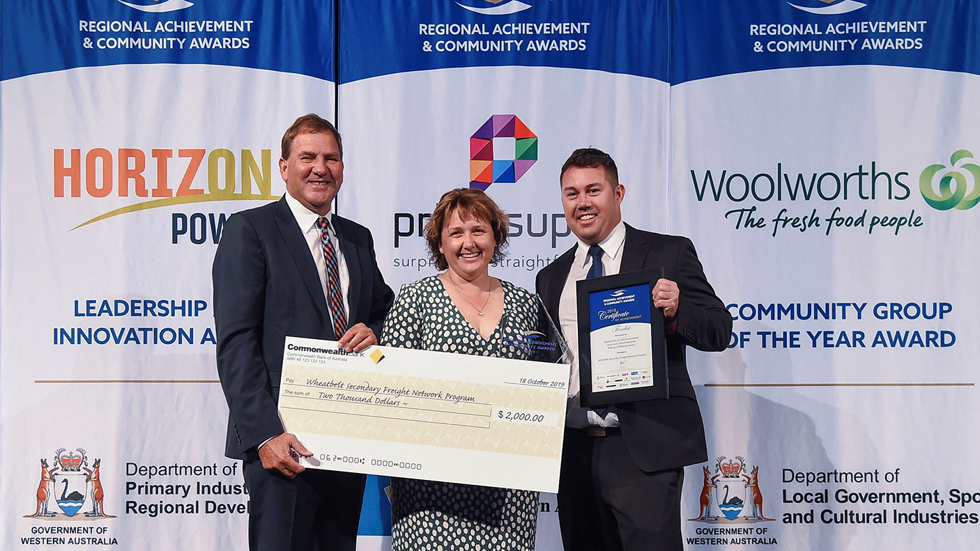 Wheatbelt winners … part of the Wheatbelt Secondary Freight Route team at the awards.