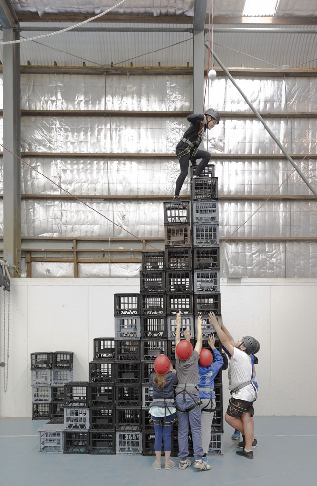 crate-climb-team-work